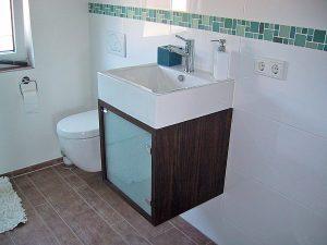Waschbecken WC Nussbaum