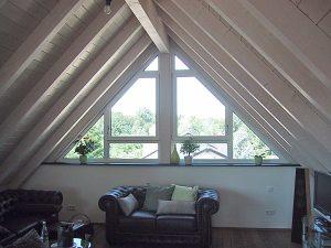 Fenster Giebel Dreiecklösung